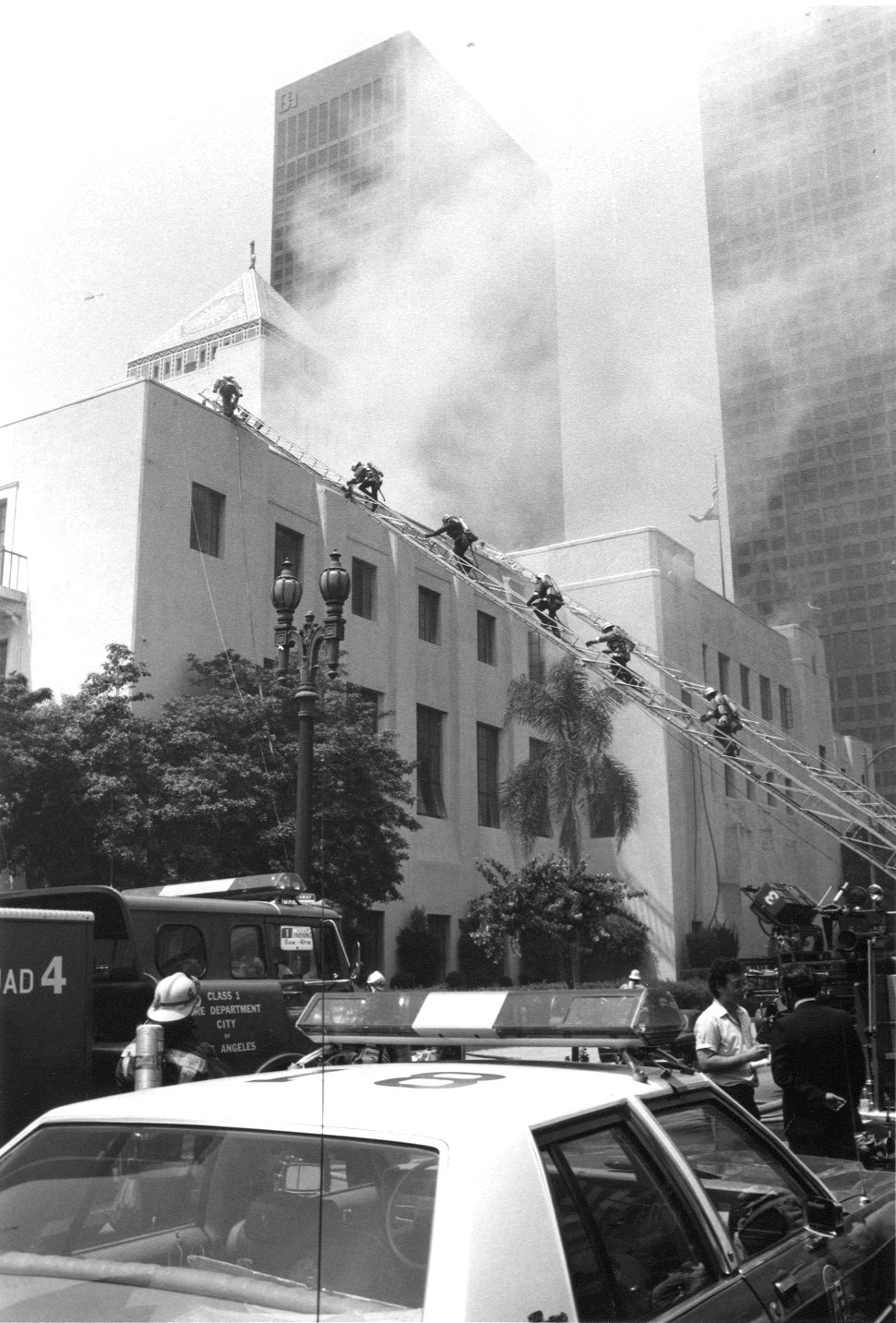 Image LAFD Battles Central Library Fire
