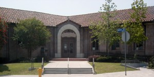 Front entrance of Robert Louis Stevenson Branch Library