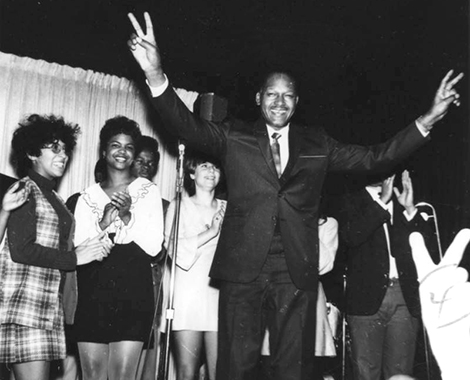 Tom Bradley campaigns
