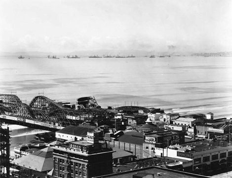 A view of The Pike amusement park in Long Beach, 1920
