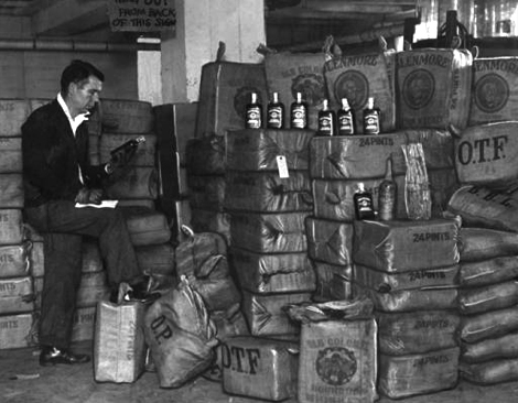 police raid during prohibition