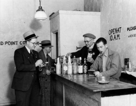 police raid illegal bar during prohibition
