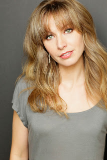 The picture of author Josephine Angelini