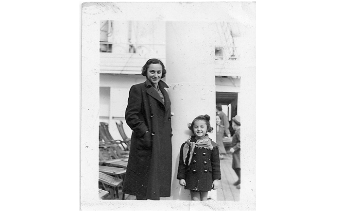 Sidonie Karman and her daughter Ana María on the deck of the MS St. Louis. May, 1939.