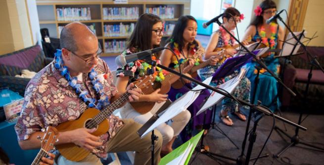 librarians playing ukuleles